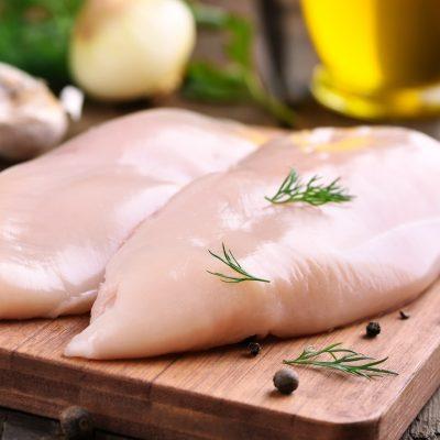 Hühnchen ohne Gewürz als Mahlzeit zum Trockenfasten brechen